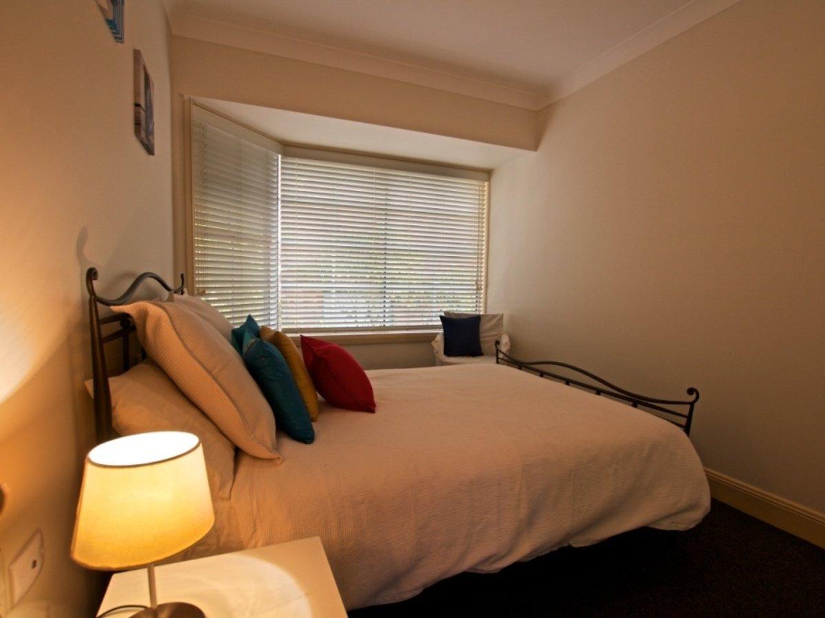 10 90 Brooks St Bar Beach Accommodation Bedroom 2